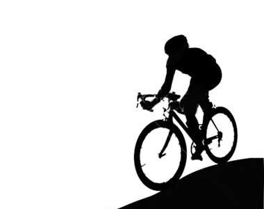 دوچرخه سواری بانوان با لباس مناسب در ملأ عام؟