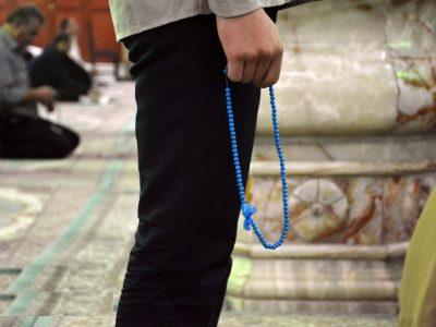نخواندن نماز باعث ابطال روزه می گردد؟